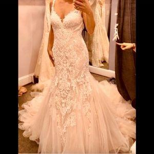 ESSENCE  Ivory Wedding Dress